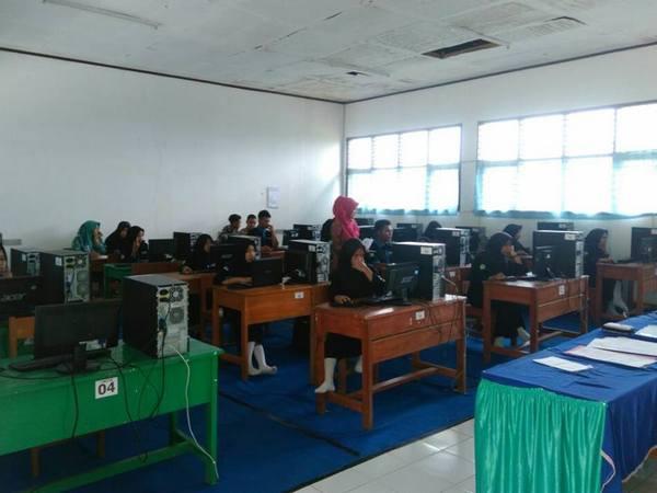 Laboratorium Komputer (foto: facebook)
