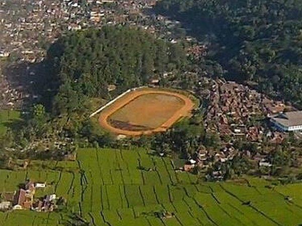 Lapangan Cigugur dari angkasa Sumedang (foto: Intagram @sumedangmedia)