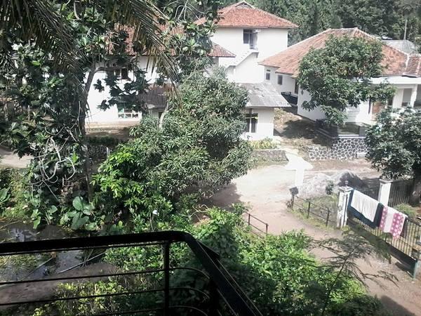 Satu bagian lingkungan Pondok Pesantren Asyrofuddin (foto: facebook)