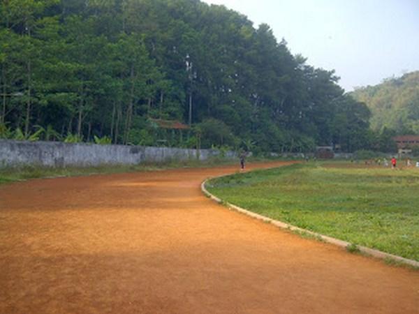 Lintasan lari lapangan Cigugur (foto: It