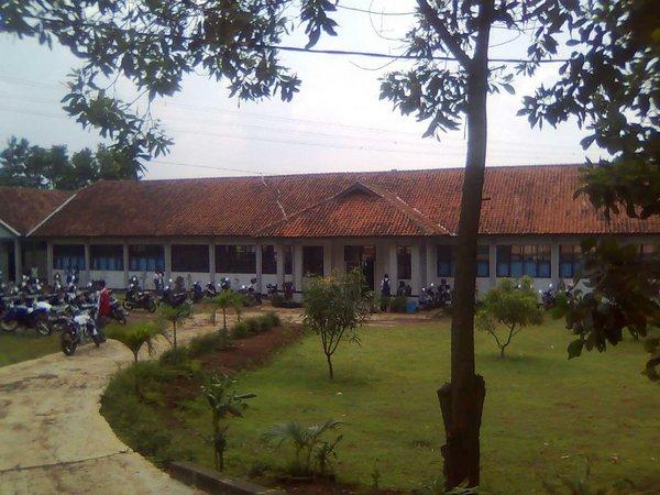 Kampus SMA Negeri Cimanggung (foto: facebook)