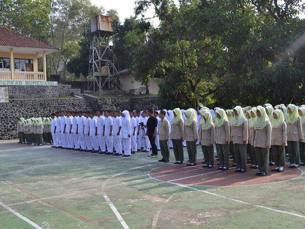 Mahasiswa Akper Sumedang (foto: facebook)