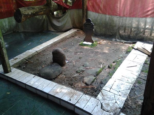 Makam Embah Dalem Haji Panungtung