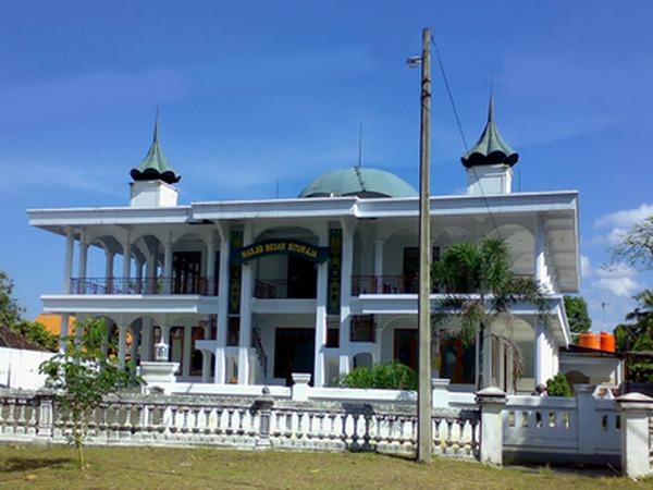 Masjid Besa Situraja (foto oleh Teambulls)