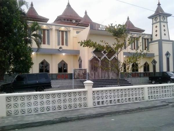 Masjid Besar Kecamatan Conggeang (foto: facebook Wahyu Sunandar)