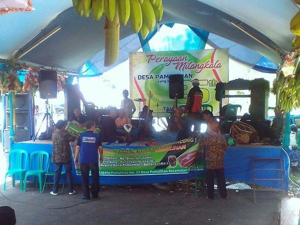 Acara ulang tahun desa (foto: facebook Desa Pamulihan)