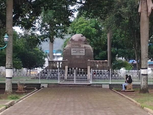 Monumen Lingga saat ini
