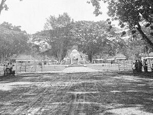 Monumen Lingga ketika jaman dahulu