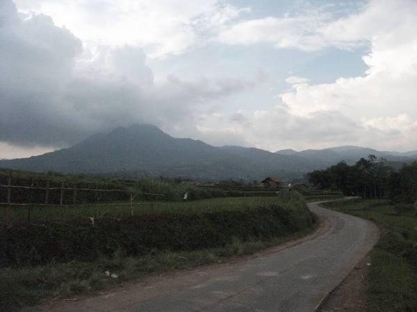 Panorama alam Desa Mekarsari (foto: facebook Kevin Reynaldi?)