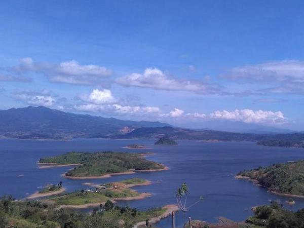 Panorama bendungan Jatigede (foto: facebook Satria Ezkie)