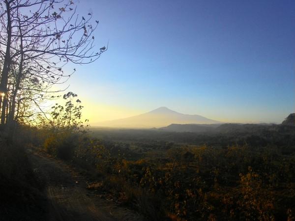 Panorama alam Desa Jembarwangi (foto: KKNM Unpad Jembarwangi)