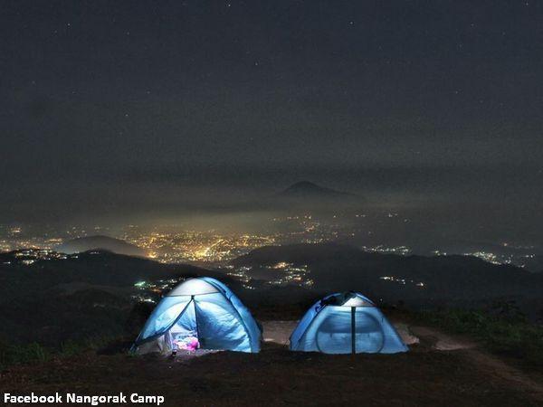 Panorama malam di NangorakCamp