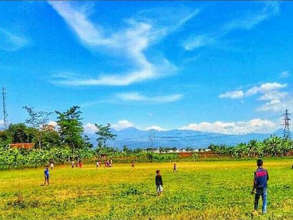 Panorama alam (foto: instagram @kknfkip2016_desasawahdadap)