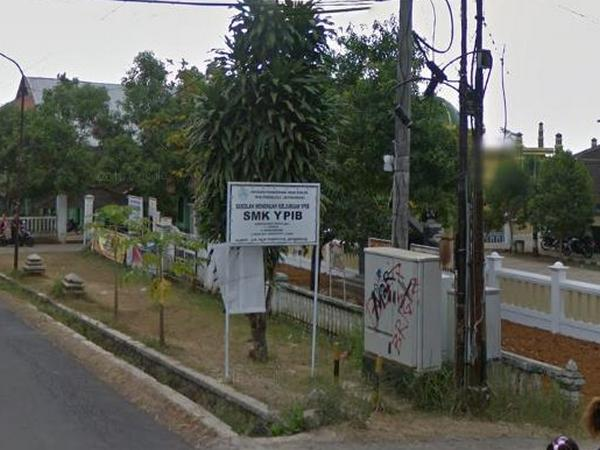 Papan penunjuk SMK YPIB Jatinunggal (foto: Google Street View)