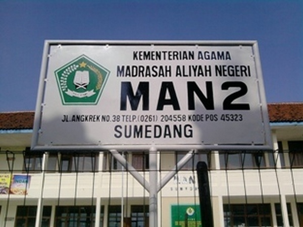 Papan nama Madrasah Aliyah Negeri 2 Sumedang