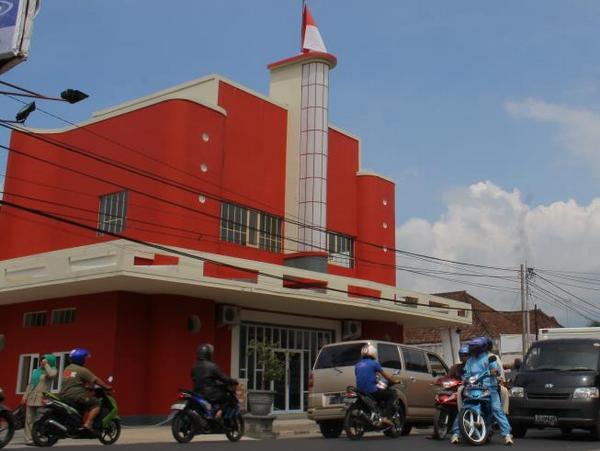 Gedung Bioskop Pacific paska renovasi (foto: facebook Pasific Hariring)