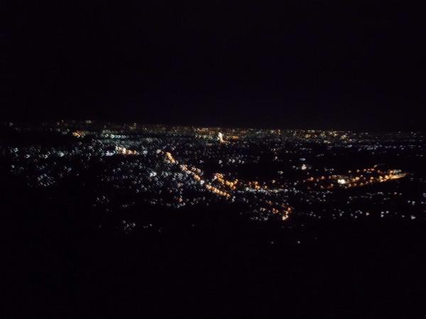 Pemandang di malam hari (foto: Balada Asmoro Laut)