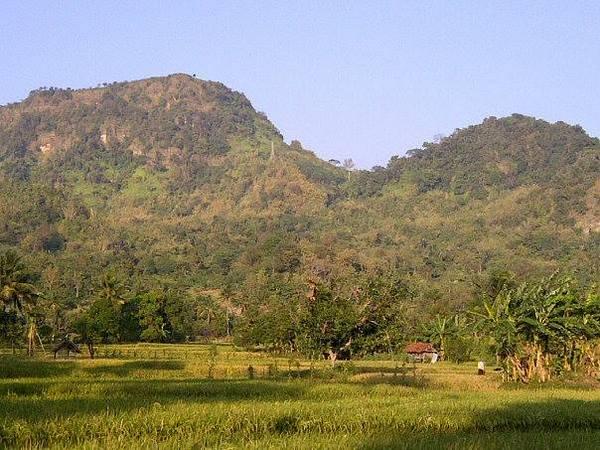 Salah satu pemandangan alam Desa Karedok (foto: facebook)