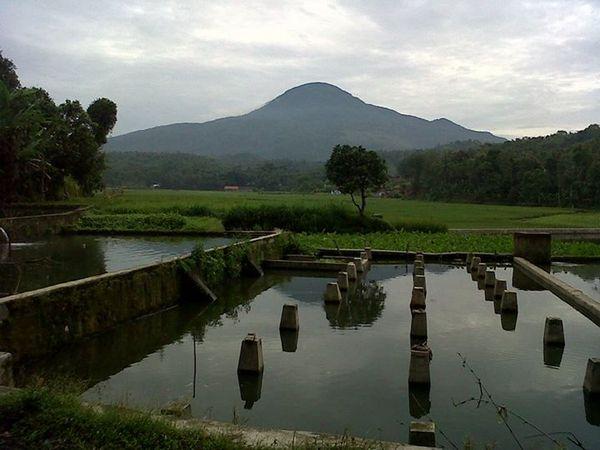Pemandangan di wilayah Desa Cikole (foto: facebook)