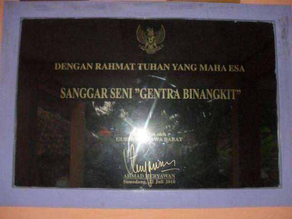 Peresmian oleh gubernur Jawa Barat (foto: facebook Sanggar Seni Gema Binangkit)