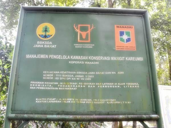 Papan nama Taman Buru Masigit-Kareumbi