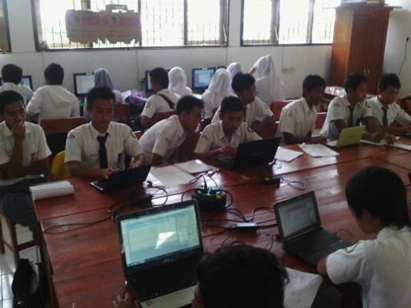 Kegiatan belajar mengajar (foto: facebook)