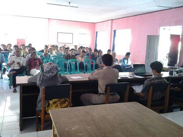 Salah satu acara rapat di Kecamatan Buahdua (foto oleh Asep Sulaeman Firdaus)