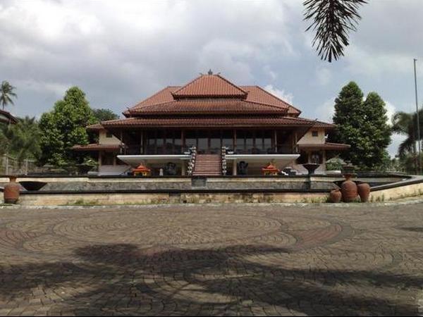 Rumah Makan Joglo Sumedang