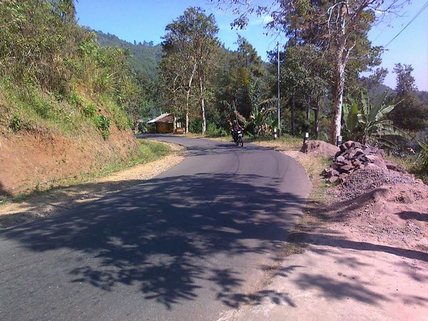 Akses jalan raya (foto: Panoramio yans78)