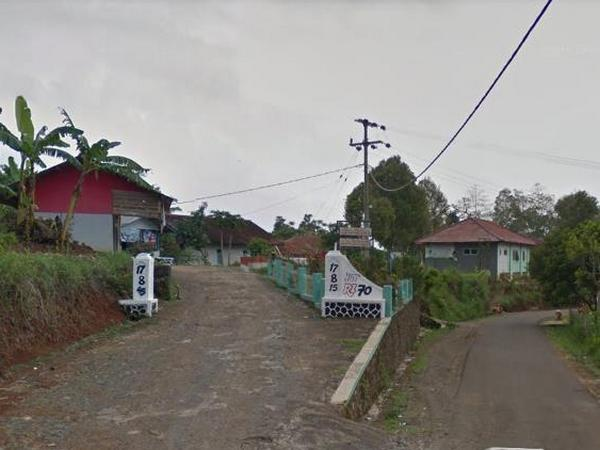 Sudut Desa Sukaraja (foto: Google Street View)
