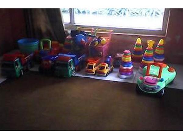 Sarana bermain di Rumah Pintar Al-Barokah