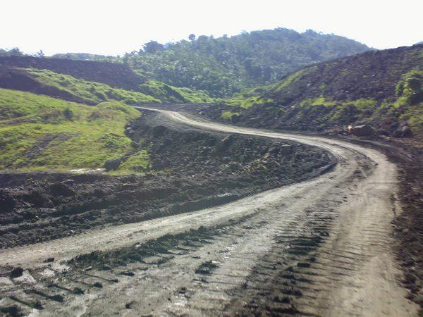 Salah satu kondisi jalan Gunung Julang ke bendungan Jatigede (foto: Team Bulls)