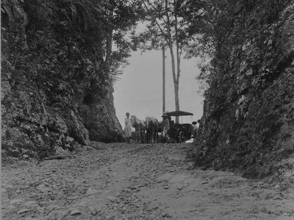 Jalan Cadas Pangeran sekitar tahun 1900