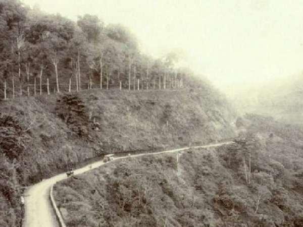 Jalan Cadas Pangeran bawah sekitar tahun 1910