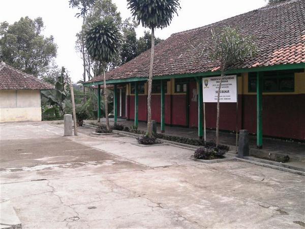 Kampus SD Negeri Cibunar (foto: Data Referensi Pendidikan)