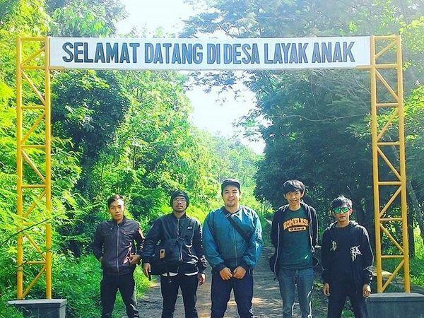 Gerbang selamat datang di Desa Cijeruk (foto: Instagram @ivan_scuk212)