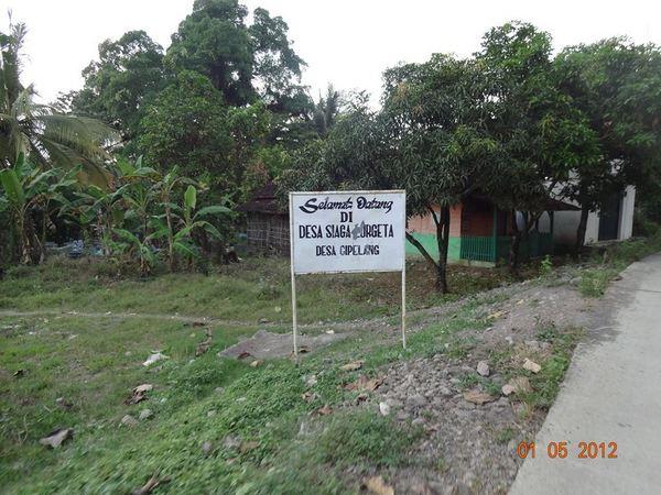 Selamat datang di Desa Cipelang (foto: facebook Moh Madani)
