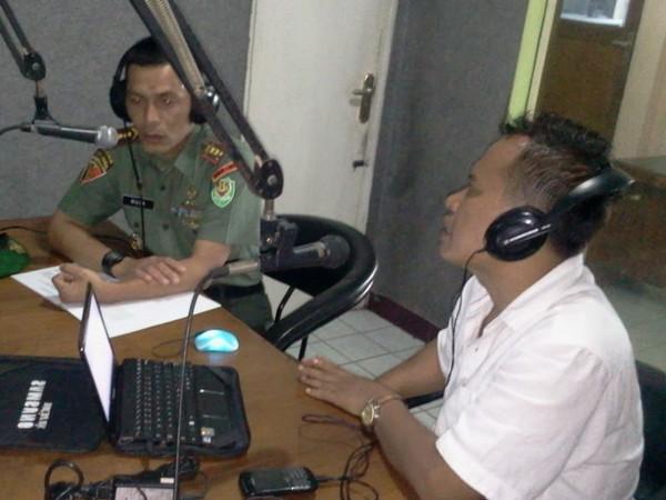 Salah satu acara siaran di Radio Jusyan FM