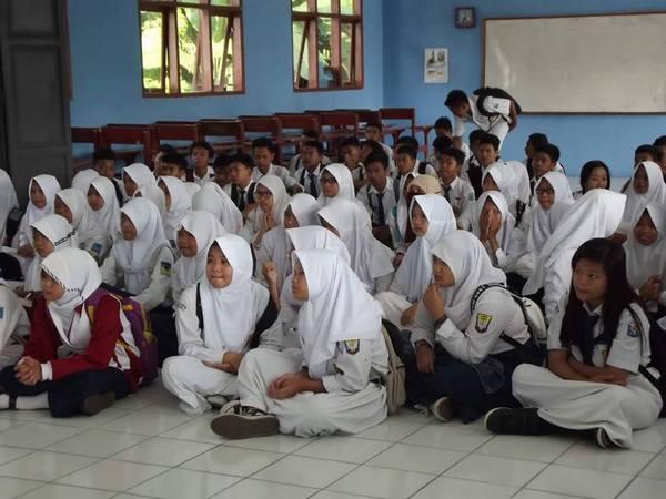 Kegiatan siswa baru SMA Negeri 2 Sumedang (foto: facebook)