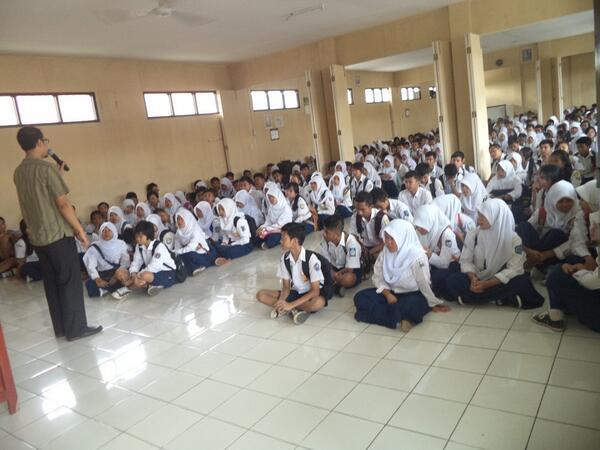 Kegiatan siswa baru (foto: facebook)