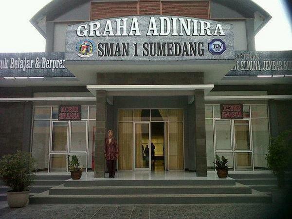 SMA Negeri 1 Sumedang (foto: facebook)