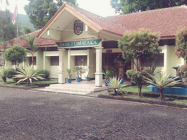 SMA Negeri 2 Cimalaka (foto: facebook)