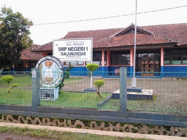 Kampus SMP Negeri 1 Tanjungmedar