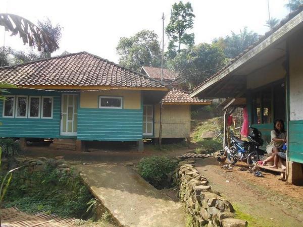 Suanana perkampungan Ciputri (foto: facebook Rachman Azha)
