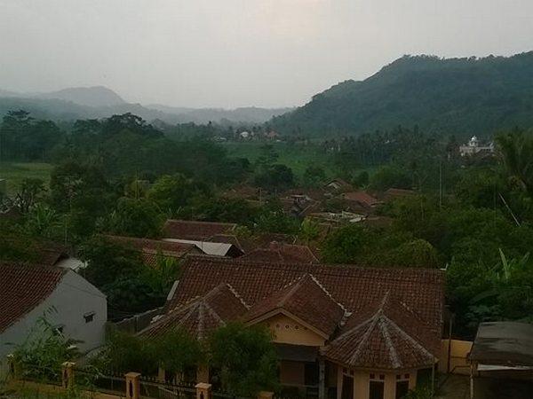 Suasana pedesaan di Desa Cikoneng Kulon (foto: facebook)
