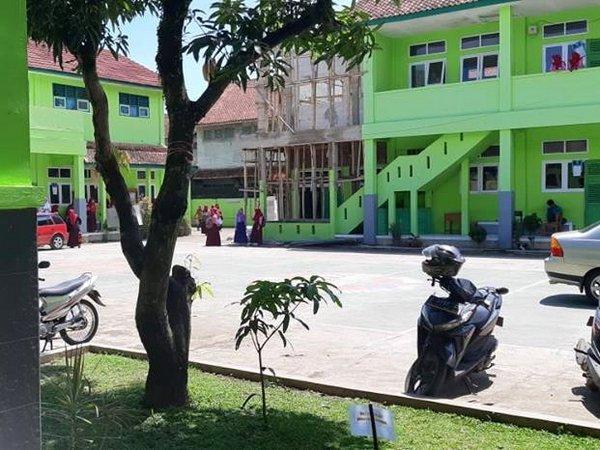 Suasana sekolah SMK Ma