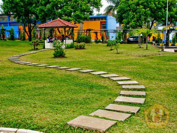 Taman (foto: facebook Unpad)
