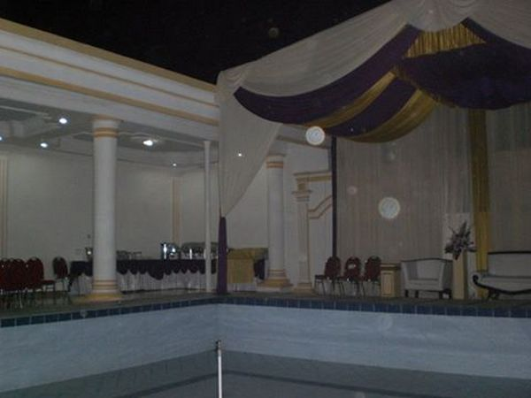 Contoh tempat pesta pernikahan