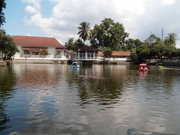 Wisata di Empang (foto: facebook Nenih Sumartini)