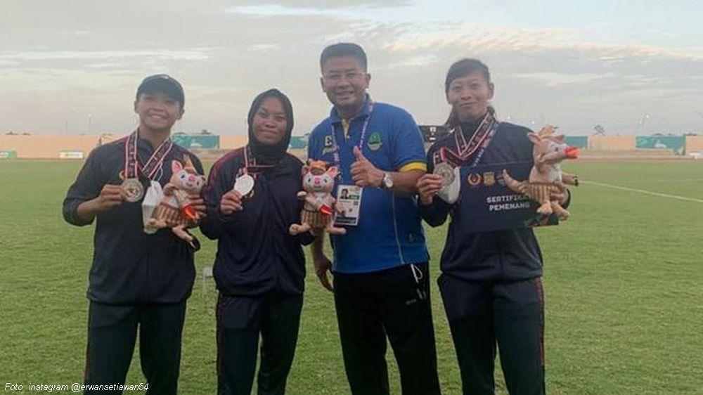 Sepakbola Putri Raih Medali Perak